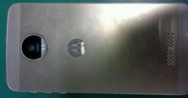 moto-dec-leak-side