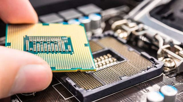 وظیفه CPU در کامپیوتر چیست
