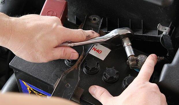 آموزش روش صحیح شستن موتور خودرو