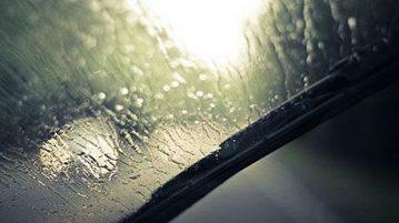 آیا مواد ضد آب تأثیری در بهبود دید راننده دارد